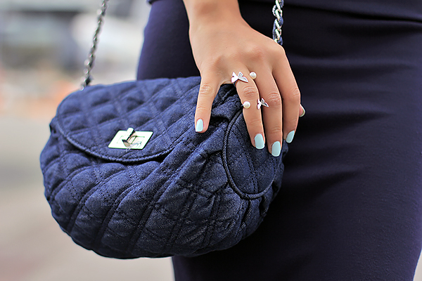 denim bag mint nails
