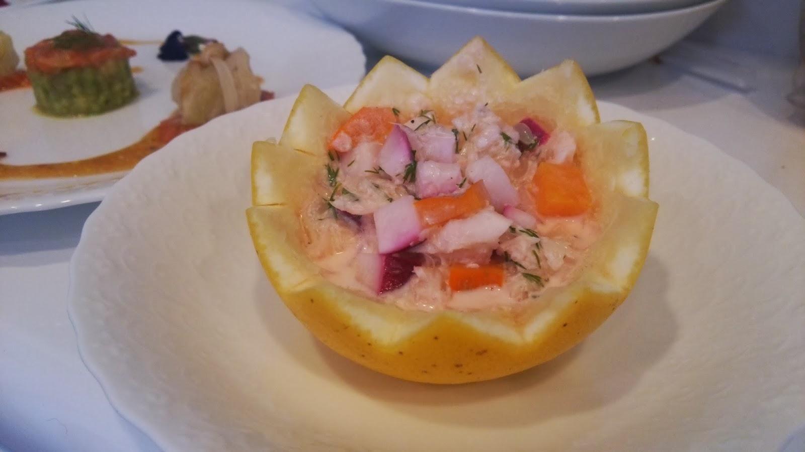 江東区(木場・深川)のご自宅に出張シェフ:柑橘のファルシ 冬野菜のサラダ仕立て