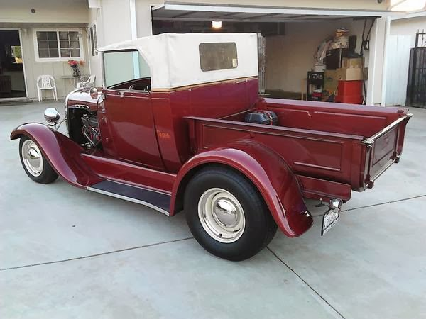 1929 Ford Roadster Pic...