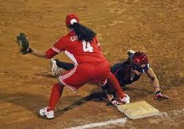 Mundial de softbol (f), Leanneyi jonroneó pero Cuba cedió ante checas