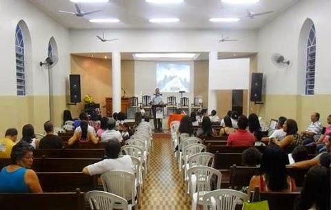Arrependido de um assalto que praticou, um ladrão foi a uma igreja evangélica, confessou o crime e pediu para ser preso