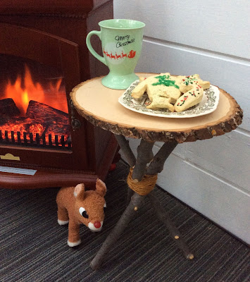 Milk and cookies for Santa table, 3 sticks, wood slice, basswood country round, stefanie girard