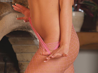 性感的成人图片 - sexygirl-tiffany_rouso_2-766958.jpg