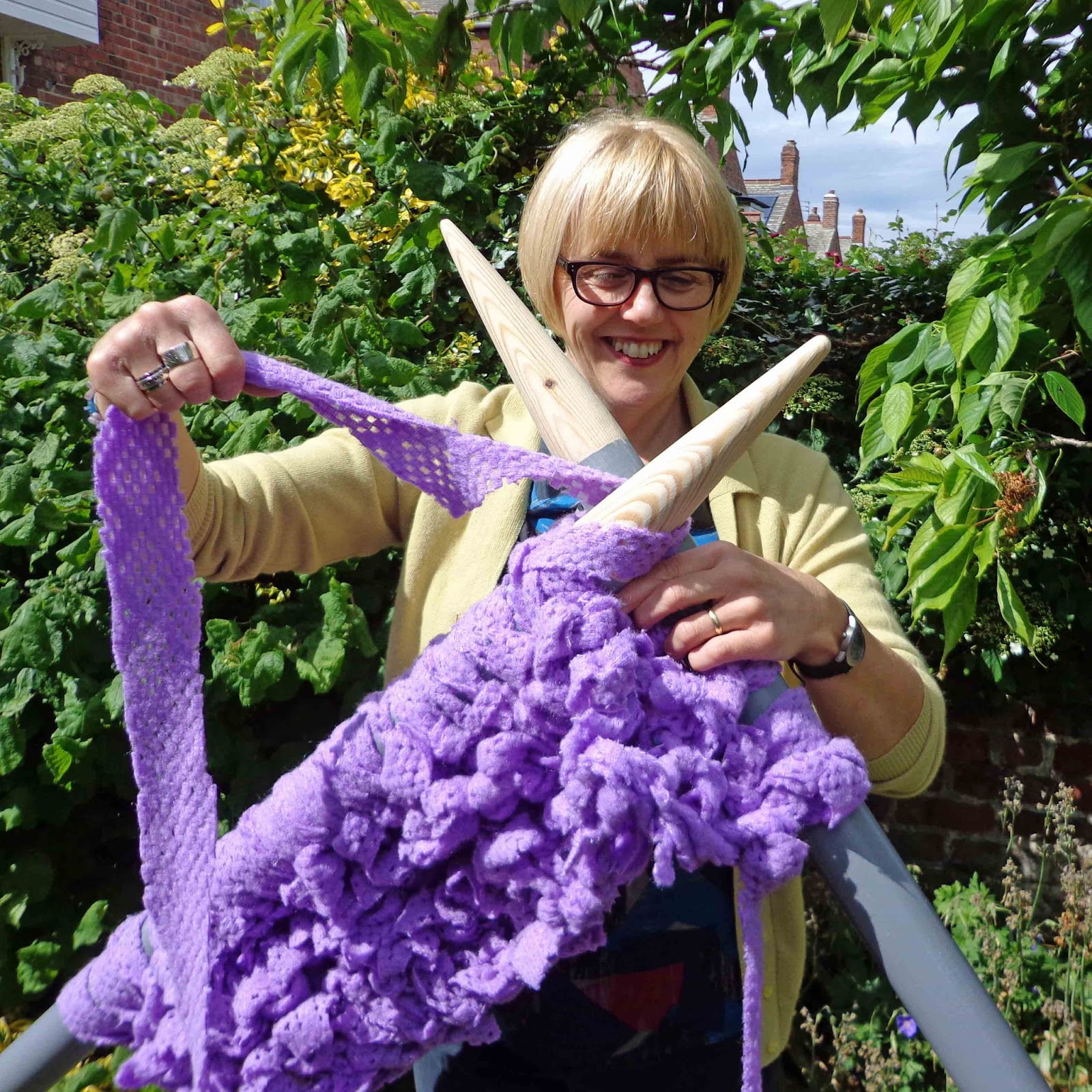 Giant Knitting Needles Uk : Hippystitch extreme knitting on needles