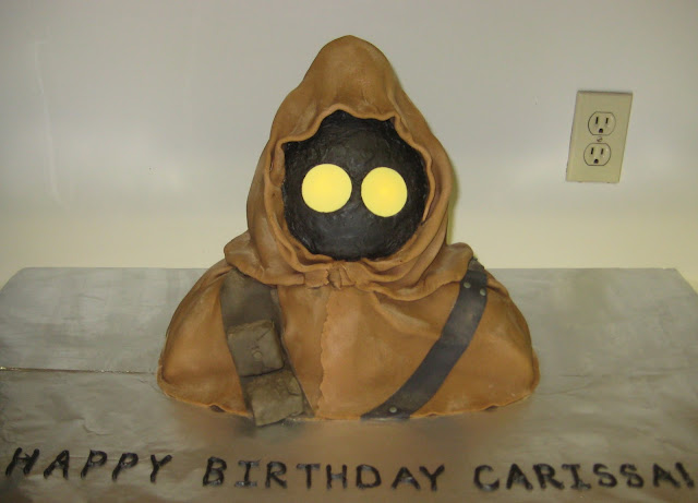 Star Wars 3D Jawa Cake with Glowing Eyes 2