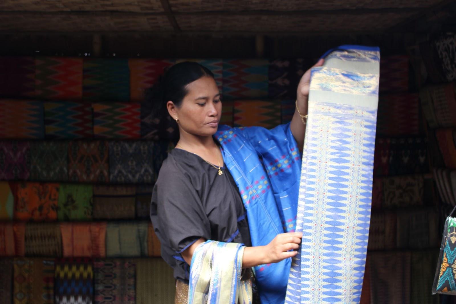 perempuan lombok