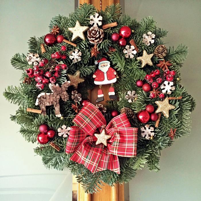 Diy weihnachtlicher t rkranz fashion kitchen - Weihnachtsdeko nanu nana ...