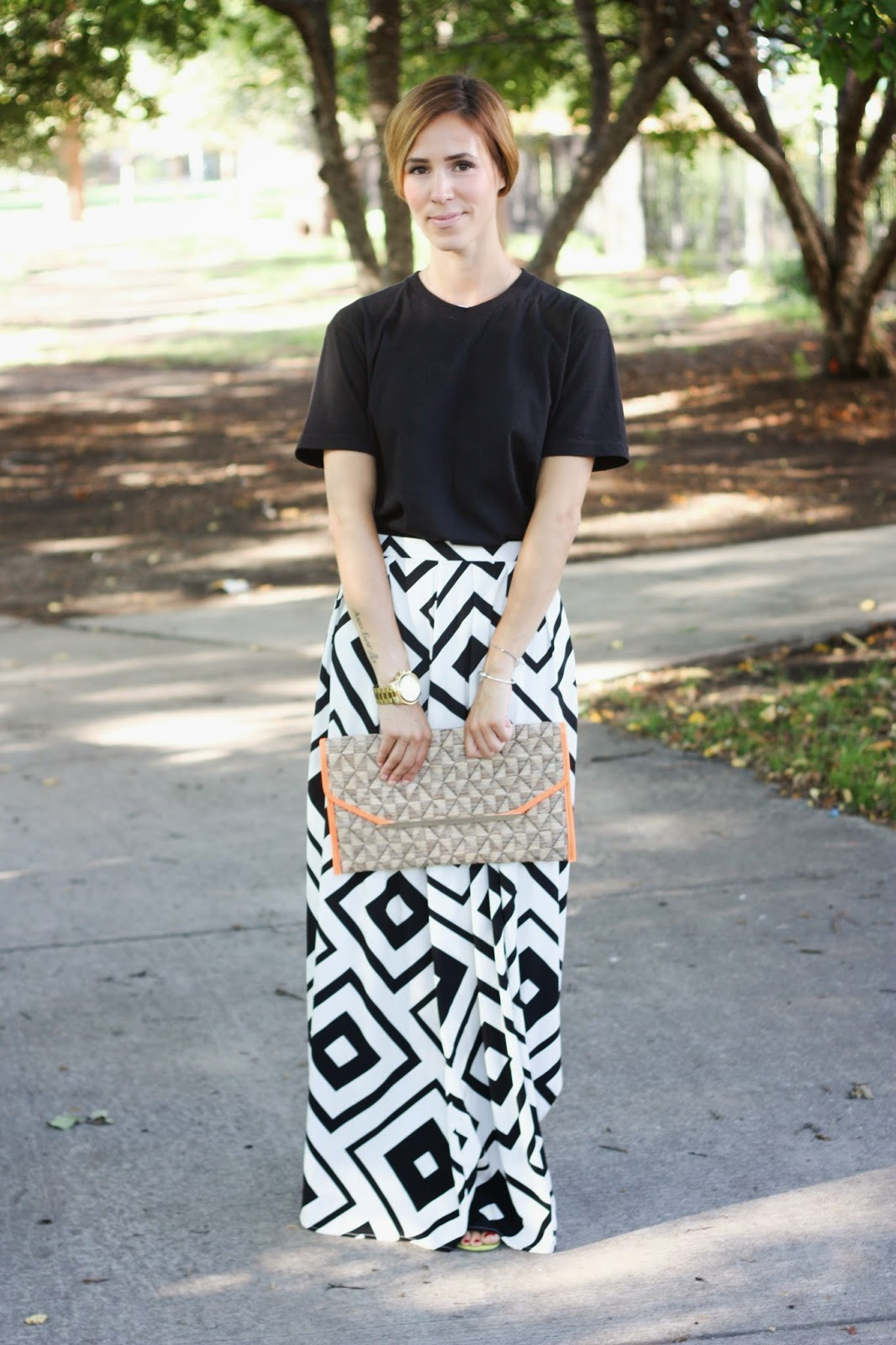 NYC, New York City, Eleven Paris, Eleven Paris tee, Eleven Paris McQueen tee, Old Navy, College Gameday, Gameday, College football, game-day fashion, game-day runway, The Limited, Limited clutch, Nordstrom, Norstrom printed maxi, nordstrom black and white maxi, old navy yellow wedges, old navy wedges