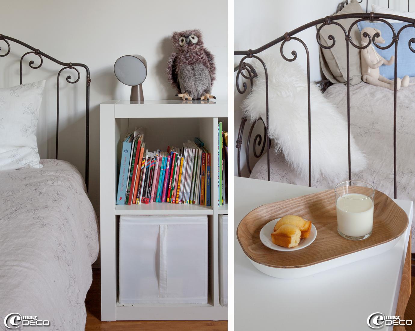 Meuble de rangement Ikea, lampe taupe Binic dessinée par Ionna Vautrin et peluche hibou acheté à la boutique Filament à Paris