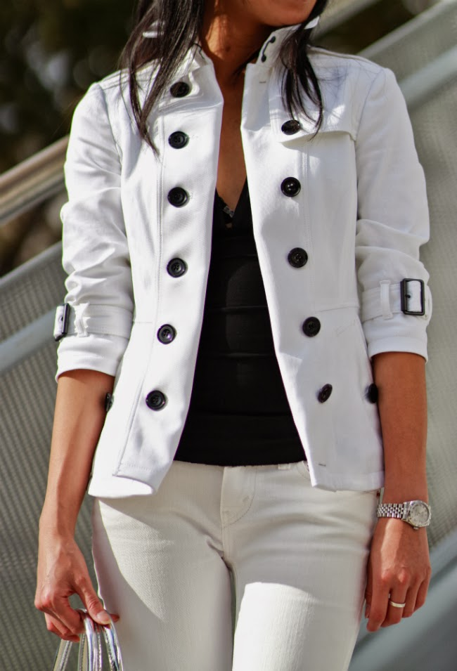 burberry white trench coat classic outfit ideas