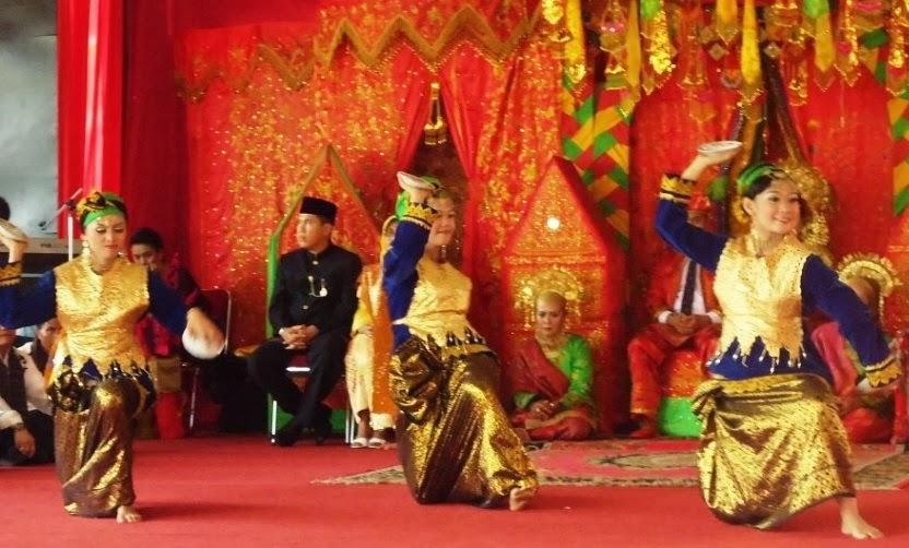 Tari Piring Minangkabau Sumatera Barat