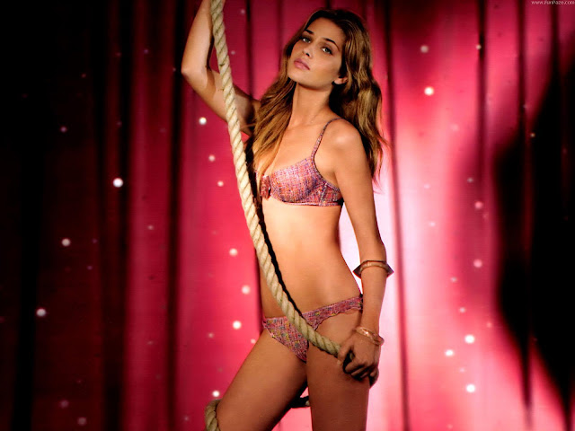 Ana Beatriz Barros HD Wallpaper -10