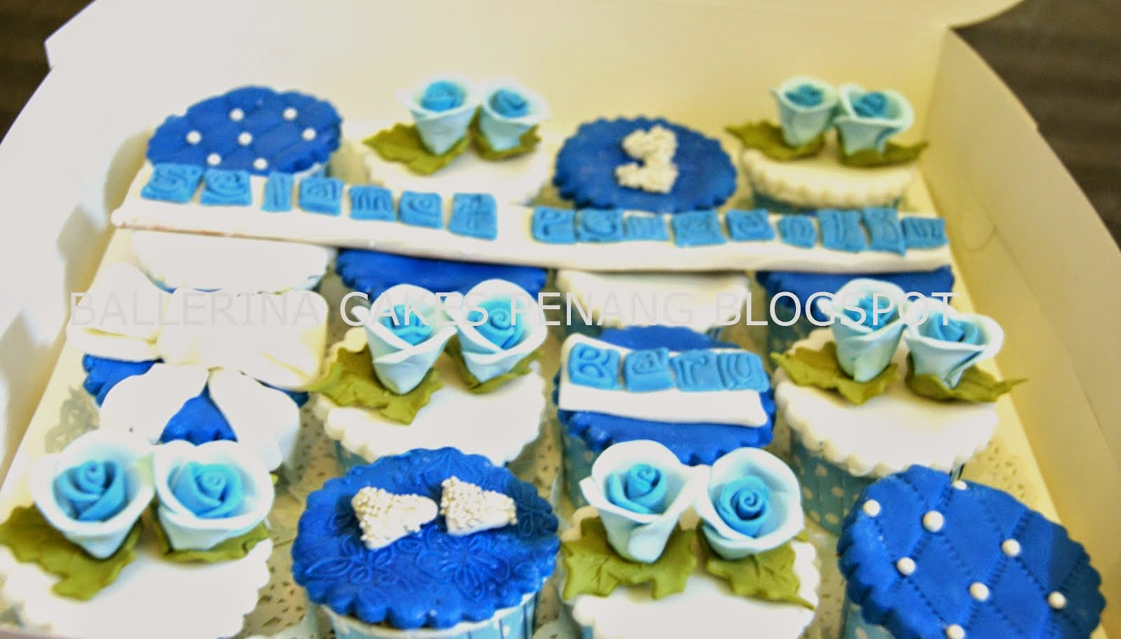 Kek Hantaran Royal Blue