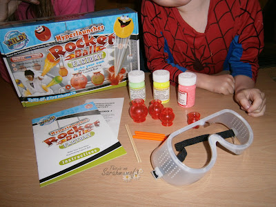 what do you get inside the hyperlauncher rocketball wild science bouncy ball making kit