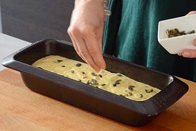 Plumcake salato con emmenthal e prosciutto cotto 13