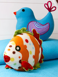 http://www.bhg.com/crafts/sewing/accessories/fleece-pillow-toys/