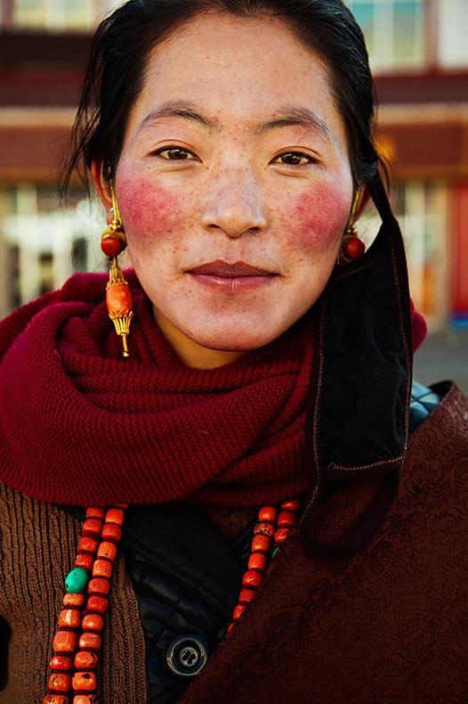 Fotógrafa viaja por el mundo para captar la diversidad de la belleza en 37 diferentes países