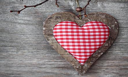 4 Sweet Ideas for a Handmade Valentine's Day - heart medal
