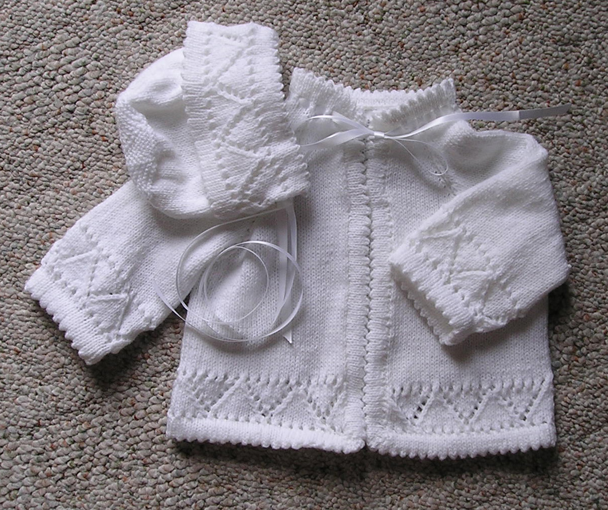 Knit Leaf Pattern Baby Sweater : Leaf And Lace Baby Sweater Pattern - Long Sweater Jacket