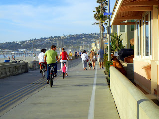 The boardwalk on Pacific Beach