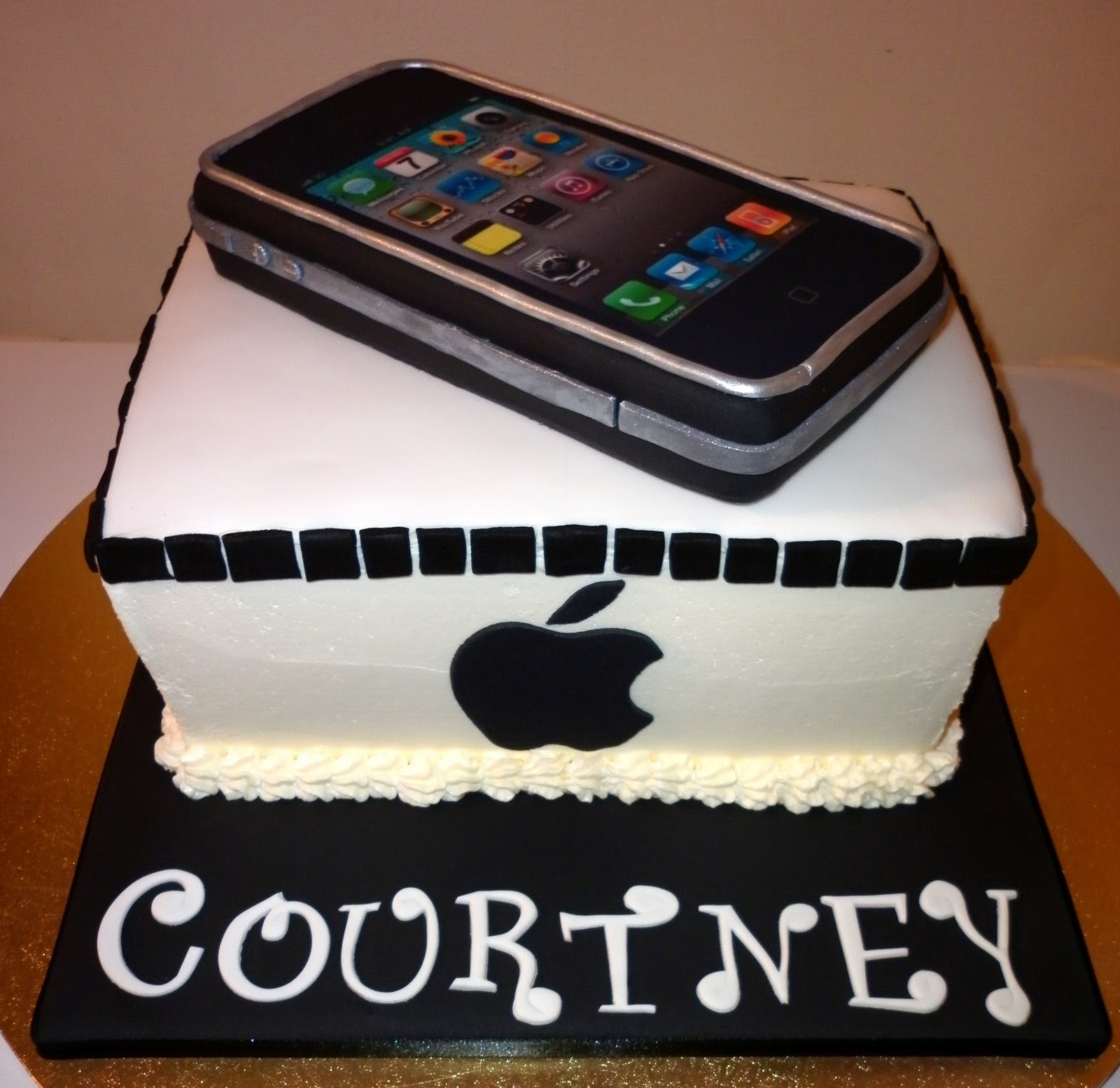 Edible Cake Images Iphone : Caketopia: Courtney s Iphone Cake