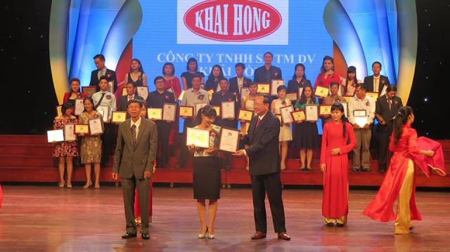 Hồng Dung nhận chứng nhận thương hiệu chính hãng