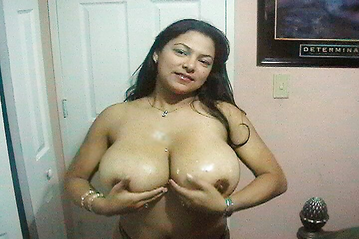 Big tit latina naturale giving head - 1 part 8