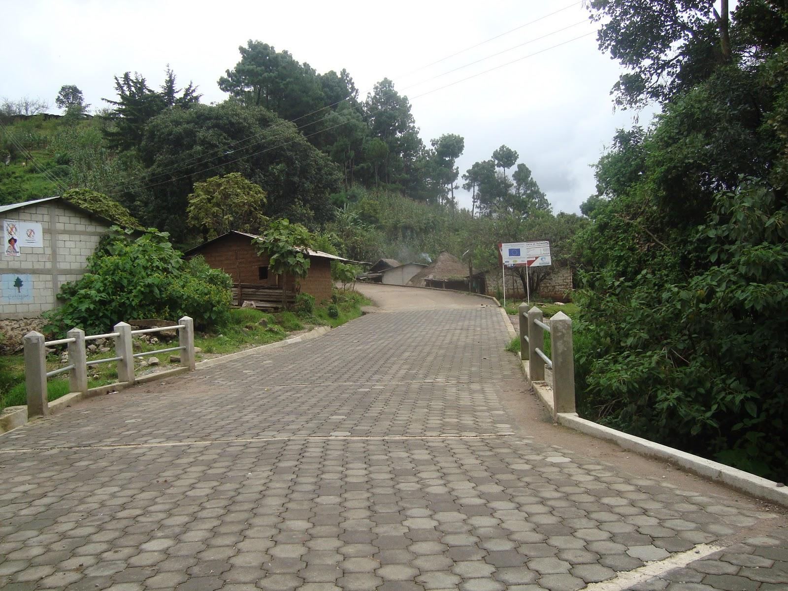 Municipalidad de santa apolonia chimaltenango for Adoquin para estacionamiento