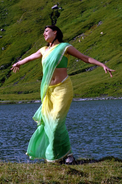 kajal agarwal hot images in thupaki