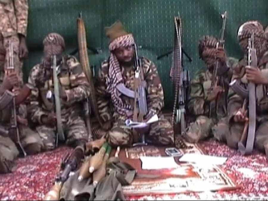 Chefe e membros do grupo sequestrador executam o Alcorão lido com 'sinceridade'