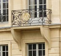 Balcon sur jardin de l'hôtel d'Aumont à Paris