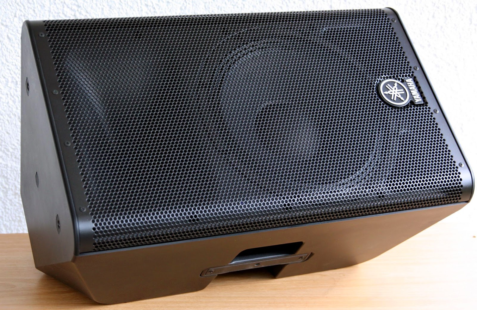 Which speakers to use with your yamaha tyros for Yamaha sound dock