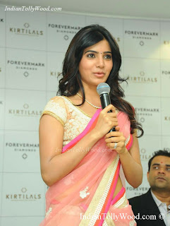 Samantha Cute Saree Photos