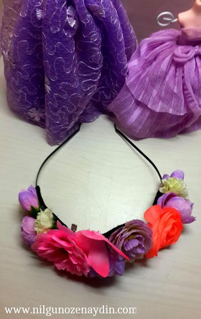 www.nilgunozenaydin.com-diy-kendinyap-çiçekli taç-flower crown-floral crown-floral hairband-making a floral crown
