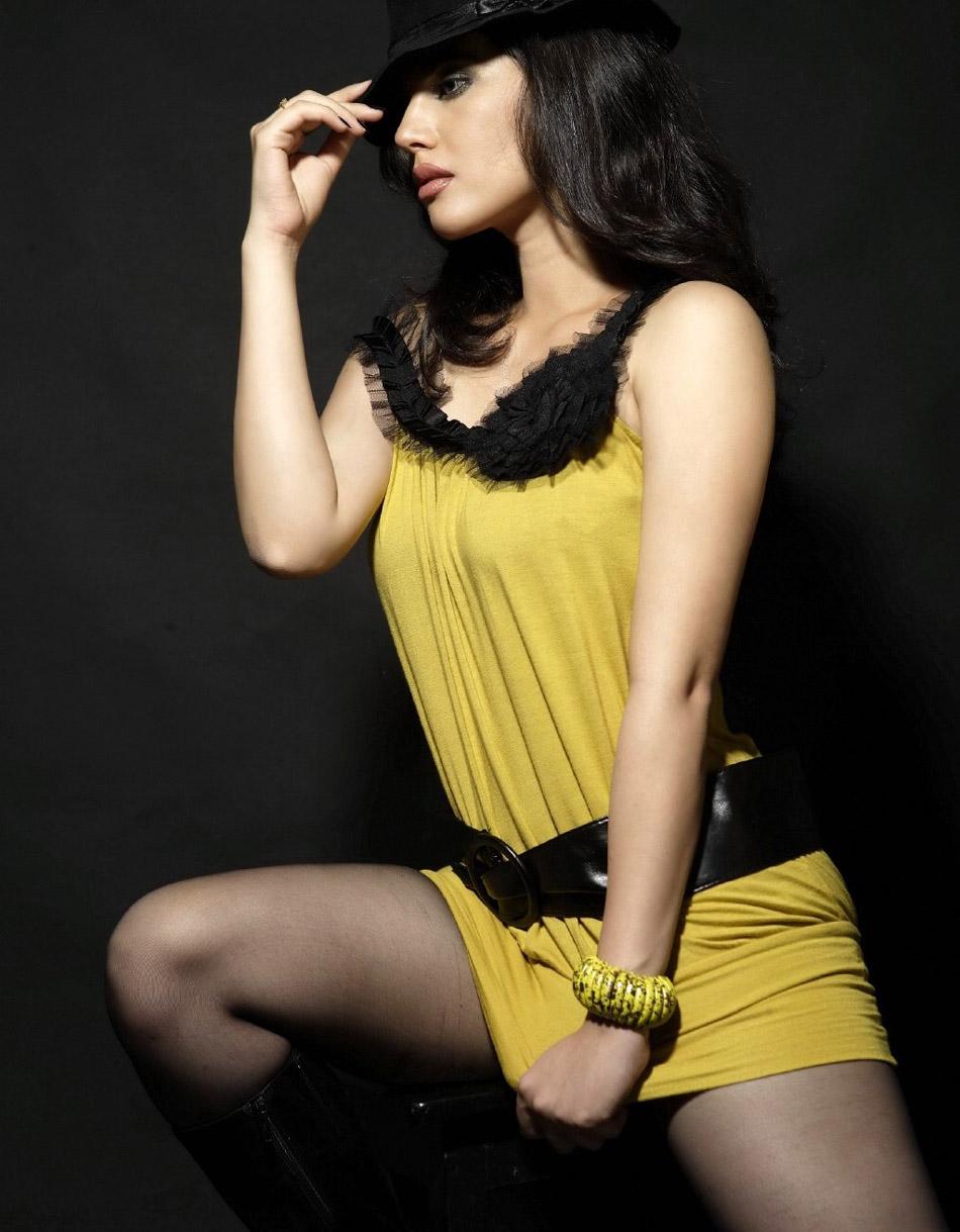 Actress Sherin Hot