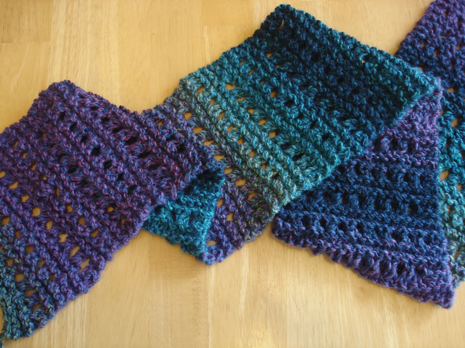 Knitted Scarf Pattern With Pointed Ends : Fiber Flux: Free Knitting Pattern: Tweedy Eyelet Scarf!