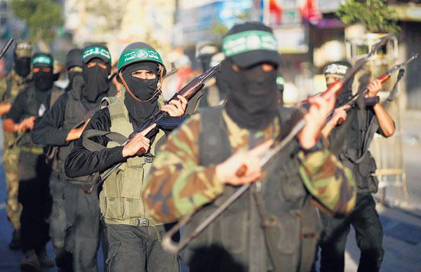 BANYAK kisah pelik mengiringi perjuangan rakyat Palestin mendepani rejim Yahudi yang dilengkapi persenjataan canggih.