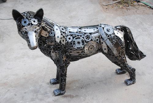 7a-Small-Animal-Sculpture-Wolf-1-Giganten-Aus-Stahl