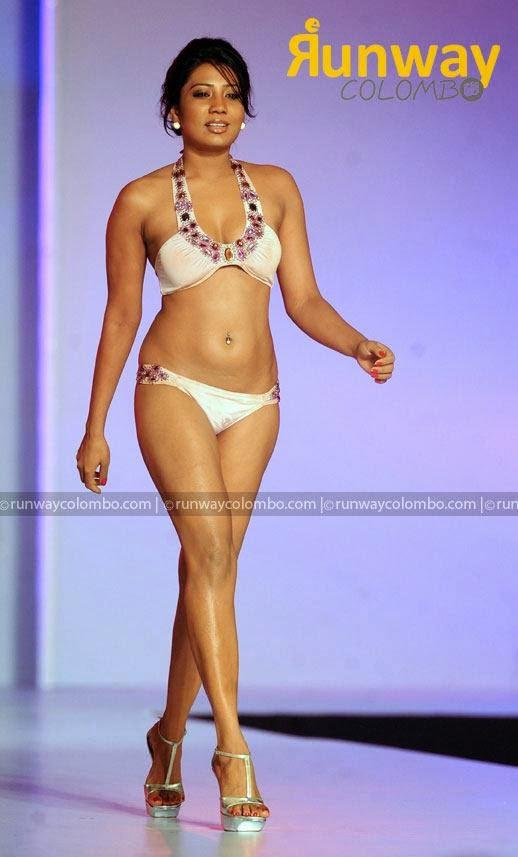 Deena Tissera sexy bikini