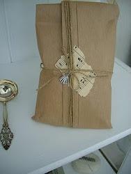 Tävla om ett hemligt paket hos Fredde