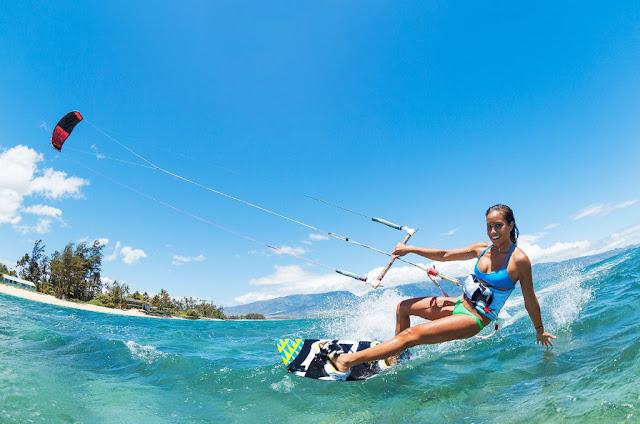 Kompetisi internasional selancar angin Tabuhan Islan Pro Kiteboarding 2015.