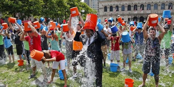 Foto Ice Bucket Challenge