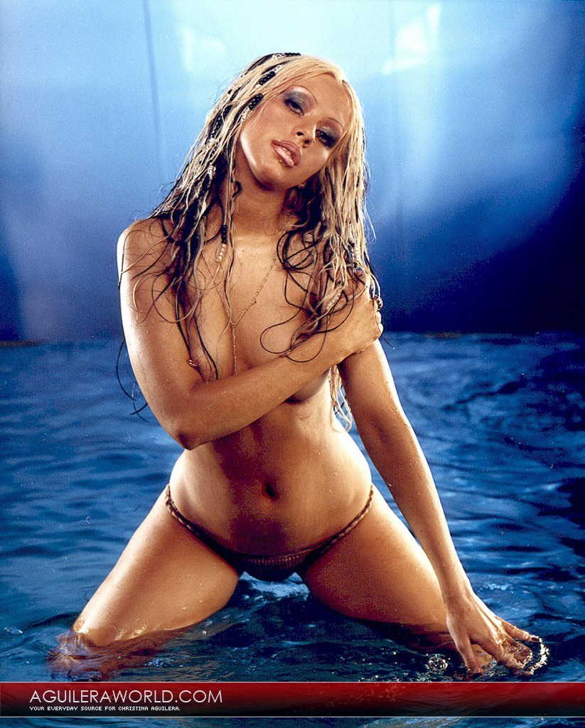 tyra banks and christina agulara naked