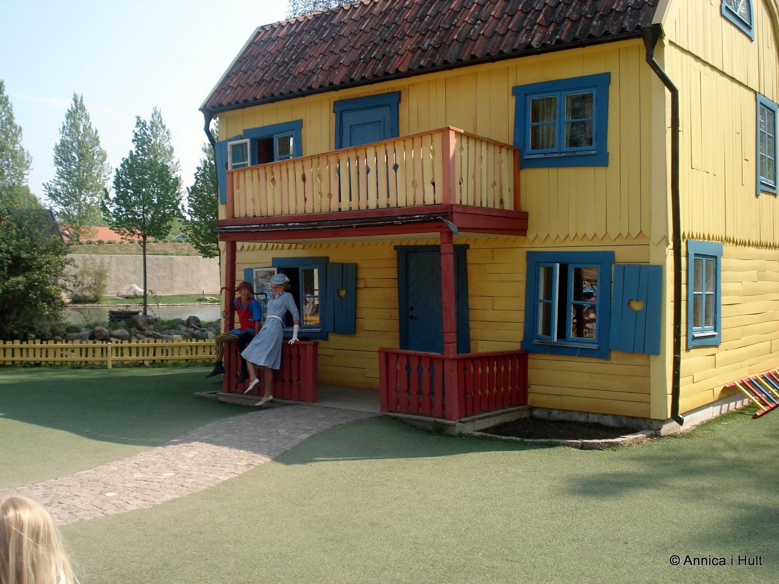 Hemma I Hult Astrid Lindgrens Värld Och Sjukskrivning