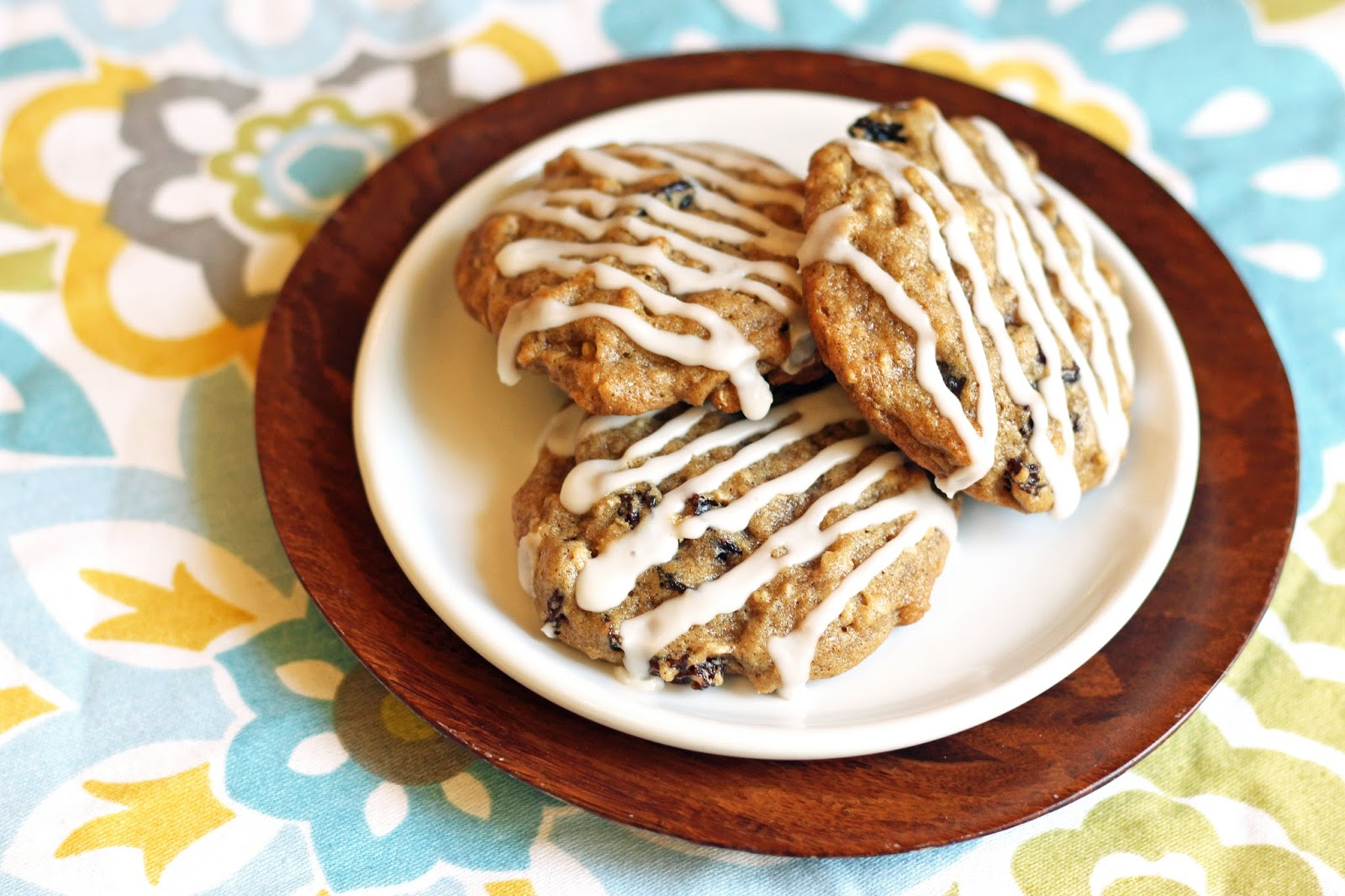 ... Gluten Free Treats: gluten free vegan glazed oatmeal raisin cookies