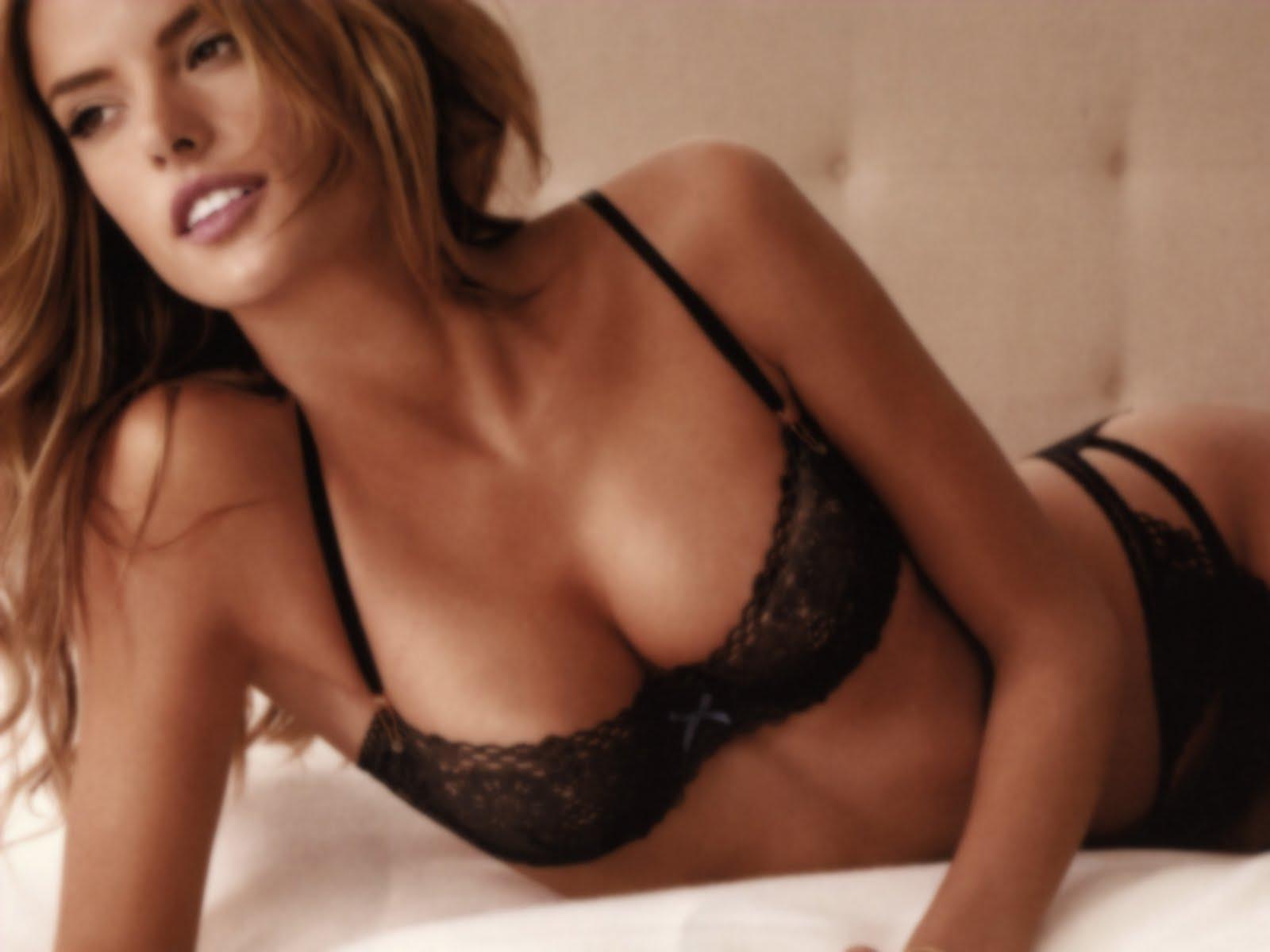http://4.bp.blogspot.com/-7Nc_mLtwet4/TclwAZCXsII/AAAAAAAAADc/ndiz6RYN0f8/s1600/Alessandra%2BAmbrosio%2BNude%2Bsexy%2BPictures%252C%2BAlessandra%2BAmbrosio%2BNaked%2Bsexy%2BClips-Sexy-Model-Wallpaper-Alessandra-Ambrosio.jpg