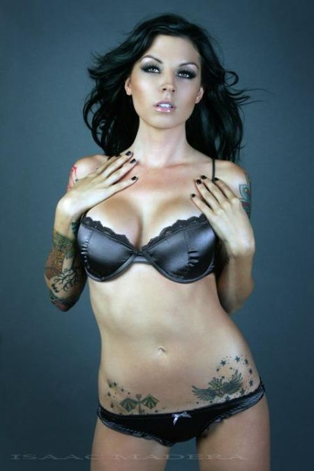 hot girls with tats