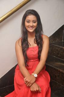 Pooja Jhaveri latest glamorous Pictures 019.JPG