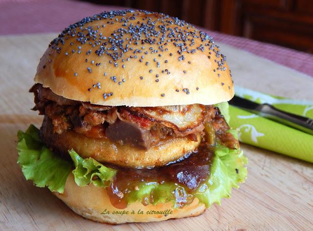 la soupe la citrouille burger l 39 emiett de canard pomme r tie et chutney de figues. Black Bedroom Furniture Sets. Home Design Ideas