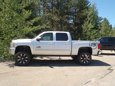 2012 Black Widow Truck http://www.liftedgmtrucks.com/2012/10/2012-chevy-silverado-1500-rocky-ridge.html